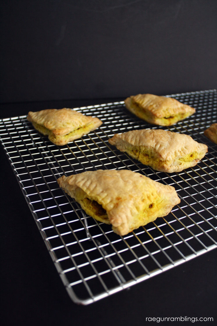 Delicious meat and potato filled pastry curry puff recipe great for breakfast lunch dinner or parties