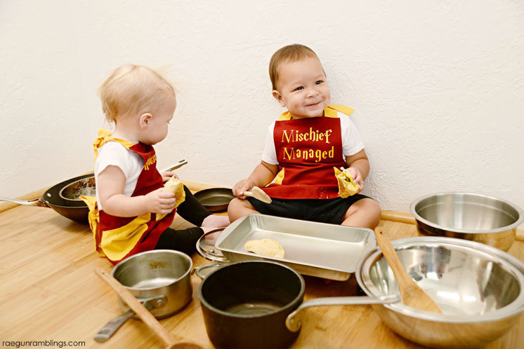 Harry Potter House Elf and Mischief Managed Aprons and Curry Puff recipe so fun