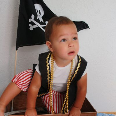 30 Minute DIY Pirate Ship Tutorial