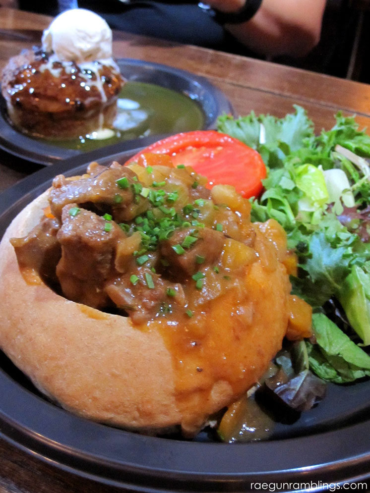 food at the Leaky cauldron and other must eats for universal studios