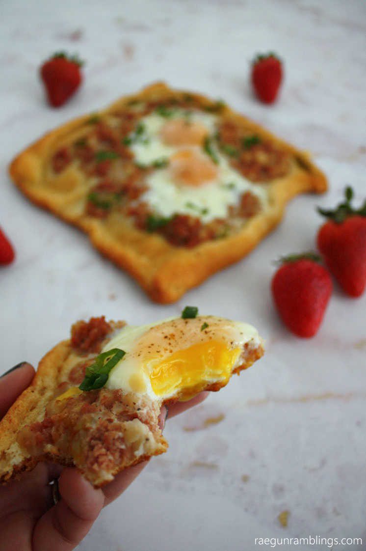 Super good. Can't stop making these super easy corned beef hash breakfast squares. Easy brunch recipe