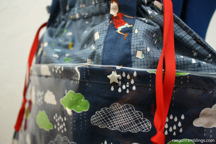 Love this bag. great sewing tutorial with free market tote bag pattern