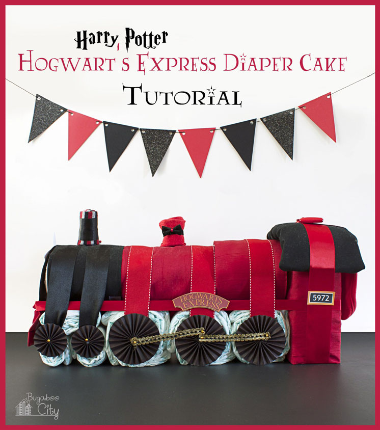 How amazing is this Harry Potter train made out of diapers. AHHH Hogwarts Express Diaper Cake.