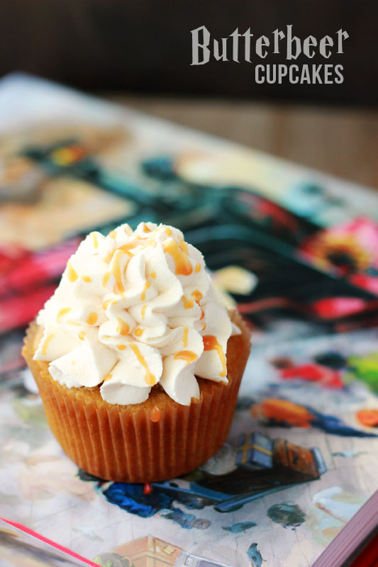 These butterbeer cupcakes are so good. Great recipe for Harry Potter inspired treat. Perfect for parties