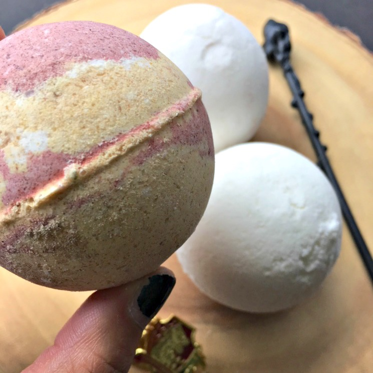 how to make Harry Potter bath bombs great book nerd gift idea