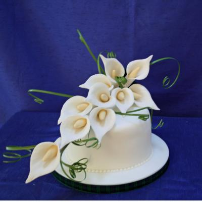 Ivory Calla Lily Spray Large Sugar Calla lily Spray Cake Decorations     Large Sugar Calla Lily Spray
