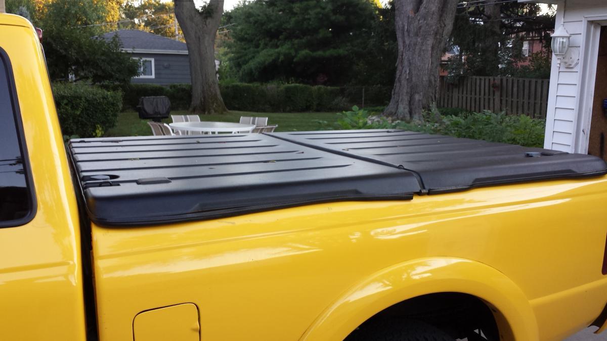 For Sale Ford Oem 6ft Tonneau Bi Fold Chicago Area