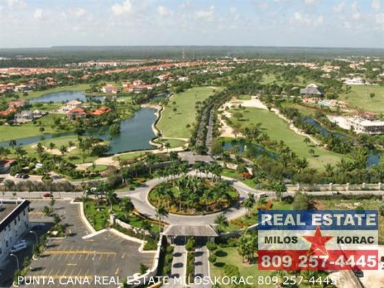 Punta Cana Real Estate   Cocotal Golf course and Country Club Cocotal Golf Course entrance