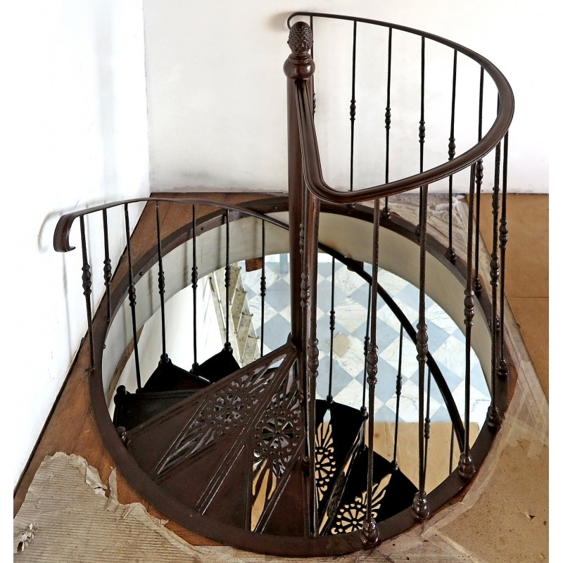 Cast Iron Spiral Staircase Diameter 125 Cm Recuperando | Cast Iron Spiral Staircase Cost | Outdoor Modern | Shenzhen | Stair Case | Wrought Iron | Low Cost