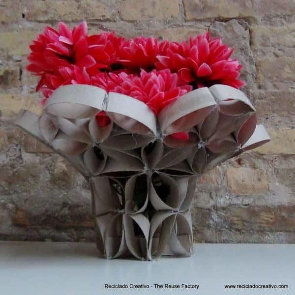 Diy Vase Made From Toilet Paper Rolls Recyclart