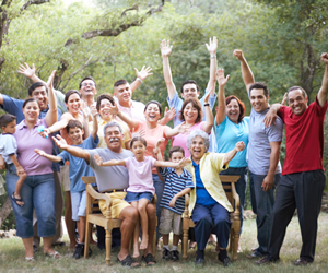 10 Fun Family Reunion Games