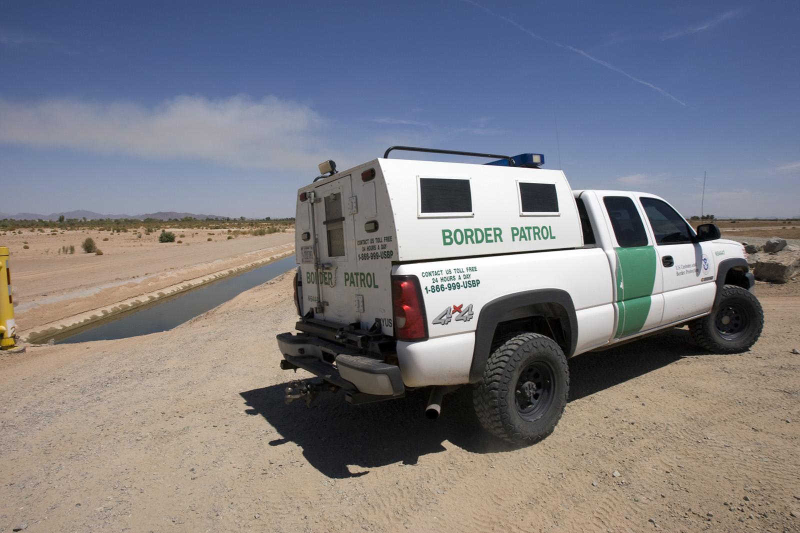 border patrol game - HD1600×1066