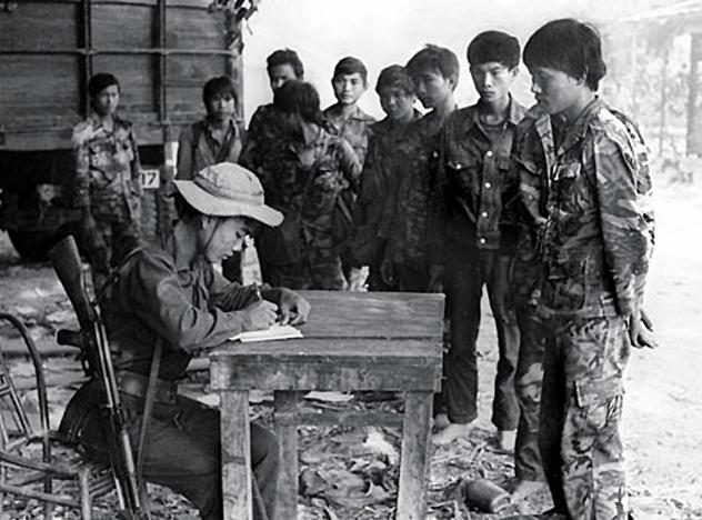 Con Ho Tan Minh Nguyen Cua Trung Chi