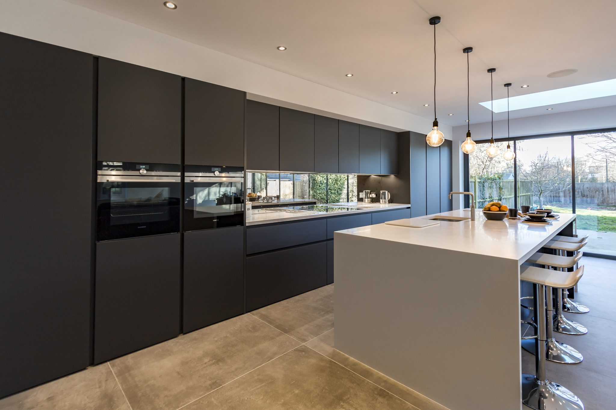 Modern Handleless Kitchen In Carbon Grey Colour From