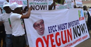 APC crises may deepen as Buhari supporters vow to sue Oyegun after EFCC rejected petition against party chairman