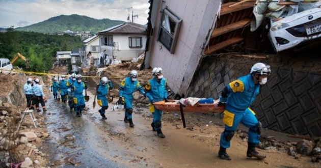 Death toll from Japan's flooding rises to 176, authorities issue fresh warning