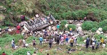 INDIA: 45 passengers feared dead as bus plunges into gorge