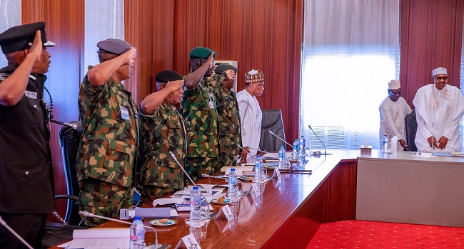 Buhari meets with Security Chiefs in Aso Roc