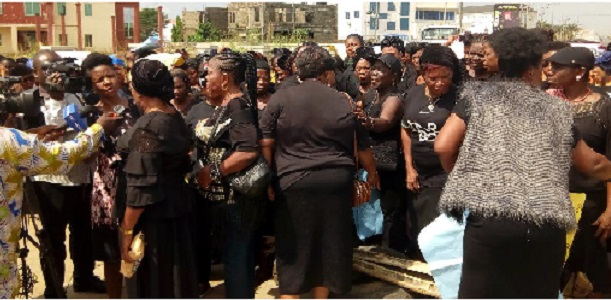 Women groups storm INEC hqtrs, decry military involvement in elections