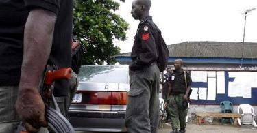 RIVERS: Naked armed youths engage police in shootout