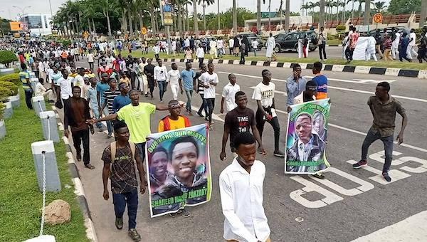 Shi'ites demand for bodies of 3 members they claim died from gunshot wounds in police custody