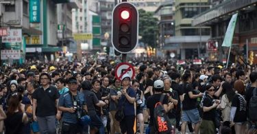 Protesters defy police ban, brace up for fresh protests