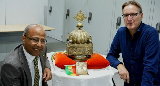 Stolen 18th century crown returned to Ethiopian govt