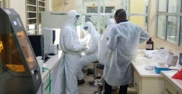 Health professionals ask Buhari to reverse ease of lockdown