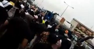 EndSARS: Rivers residents defy Gov Wike, troop out to protest (Video)