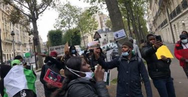 Nigerians in France join #EndSARS protest
