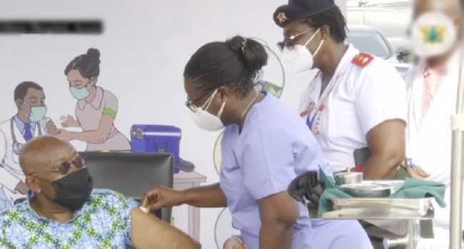 Ghanaian President takes Covid-19 vaccine on live TV