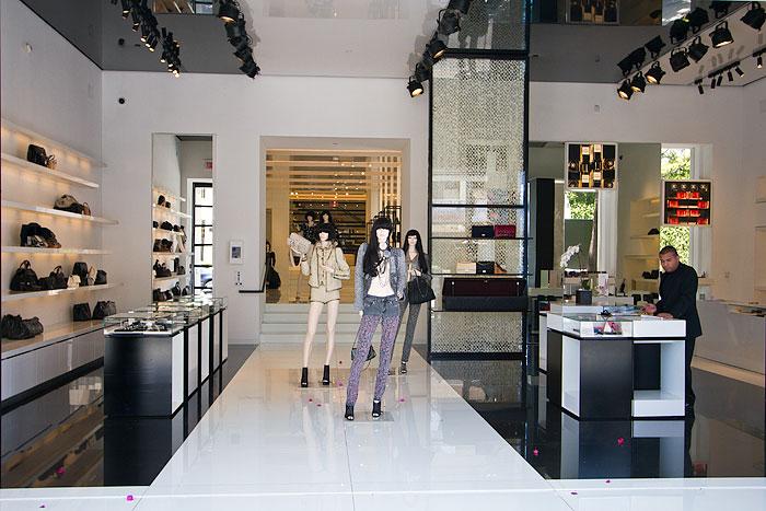 Chanel Robertson Boulevard Shopping Dining Amp Travel