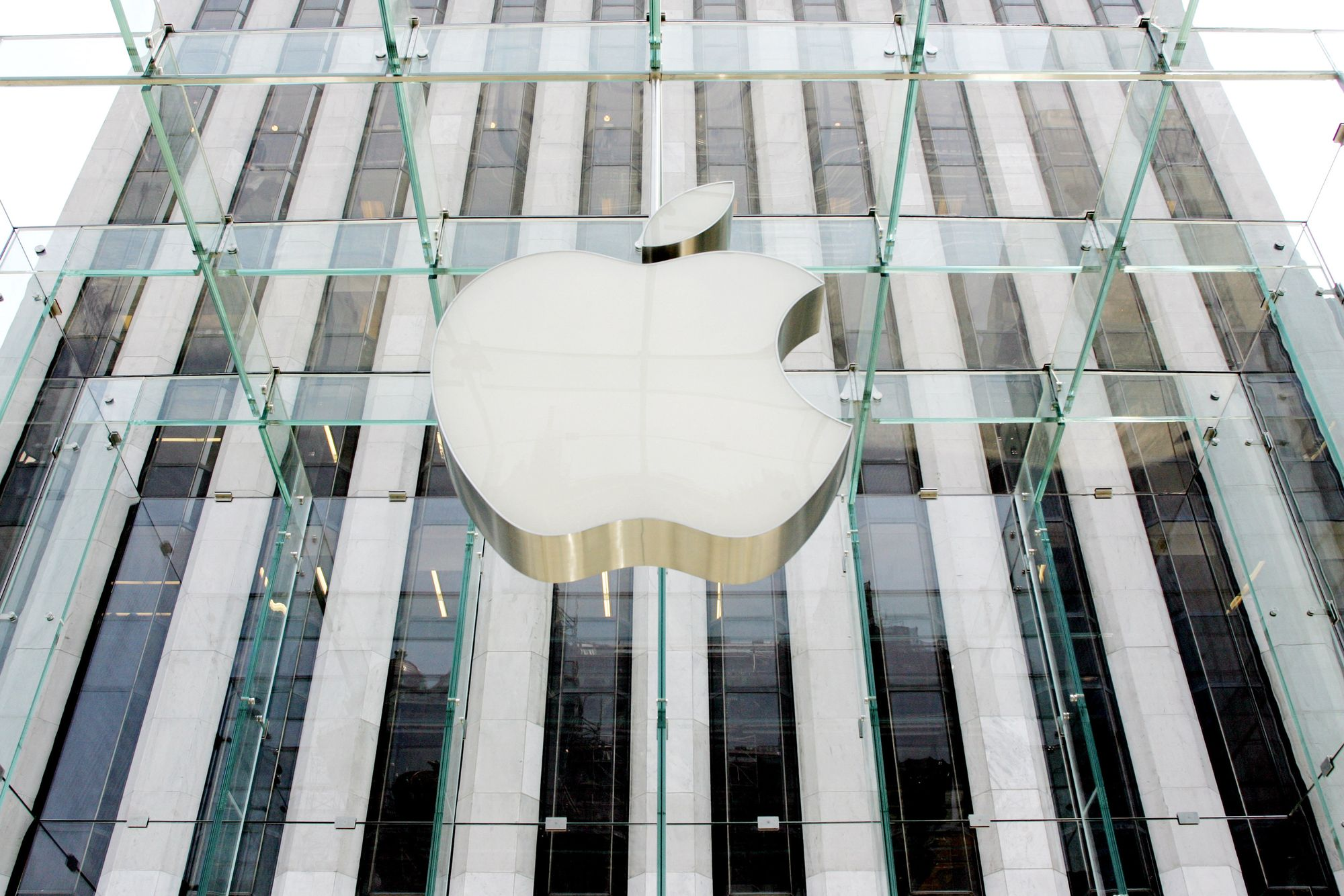 Apple vaut d    sormais plus de 800 milliards de dollars en bourse     Apple vaut d    sormais plus de 800 milliards de dollars en bourse