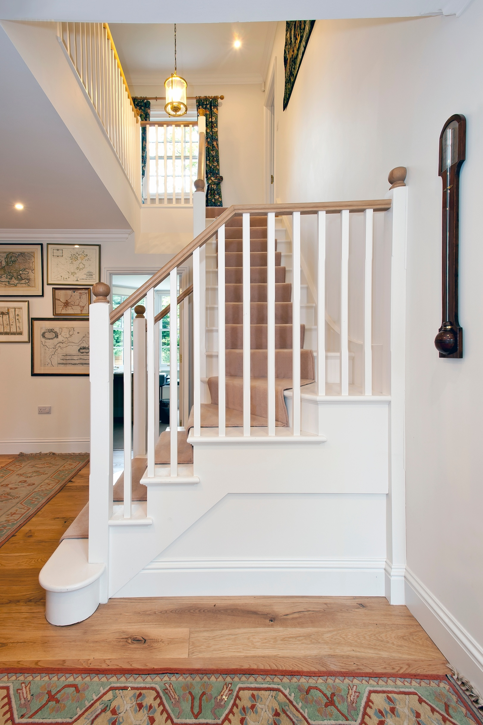 What Is The Secret Of Choosing A Residential Staircase Design | L Shape Stair Design