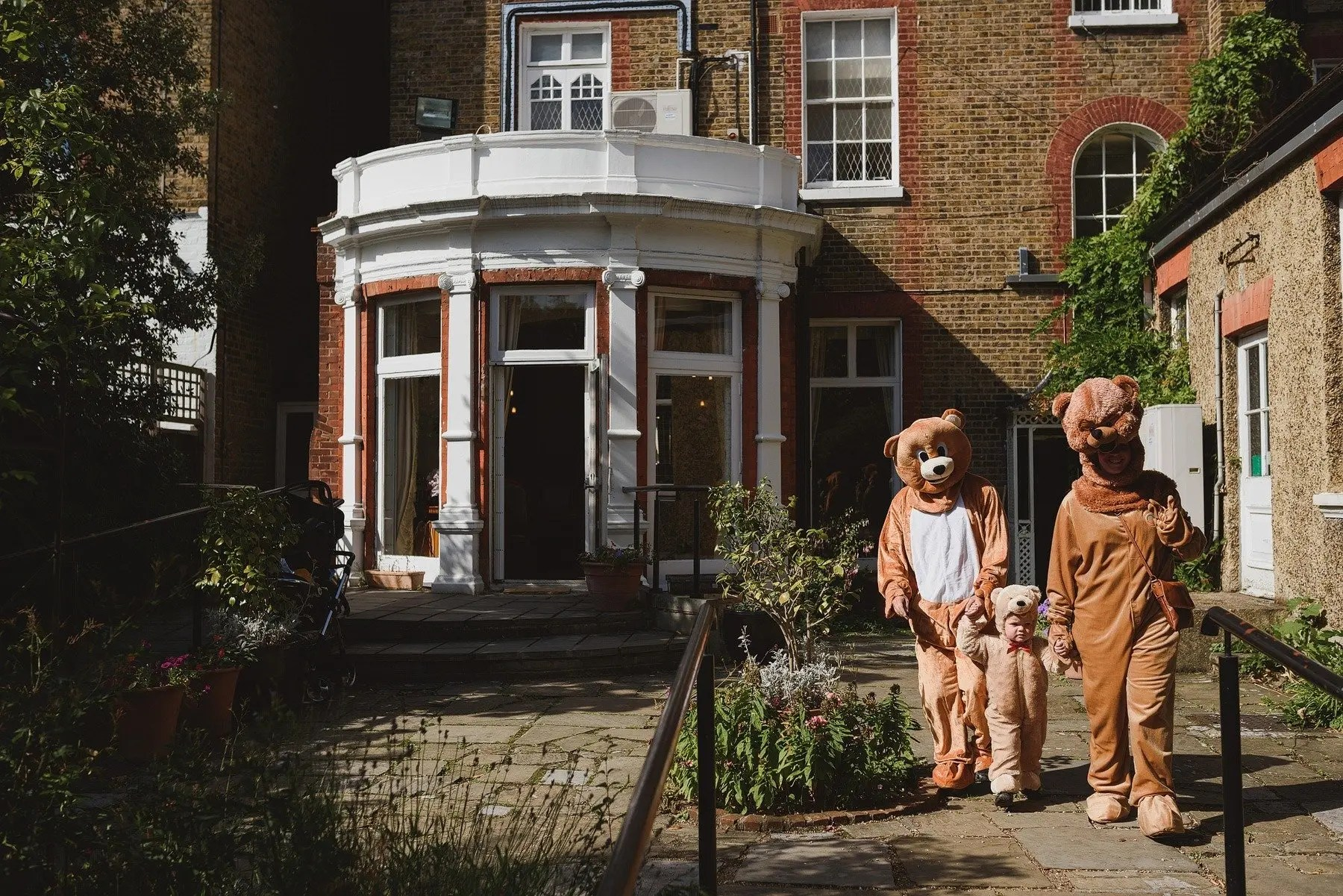 family dressed as the three bears