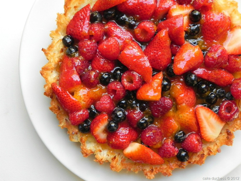 overhead image of coconut berry passover tart