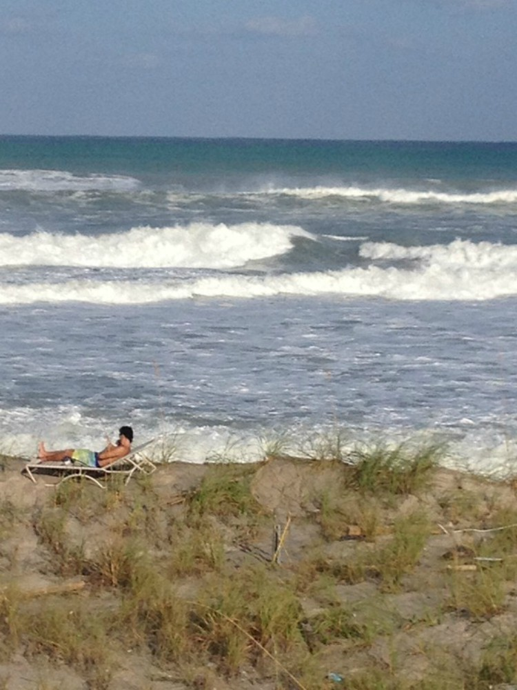 overhead image of beach scene