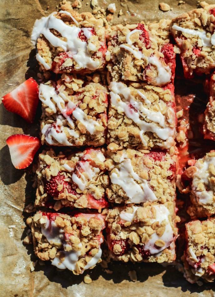 overhead image of strawberry bars