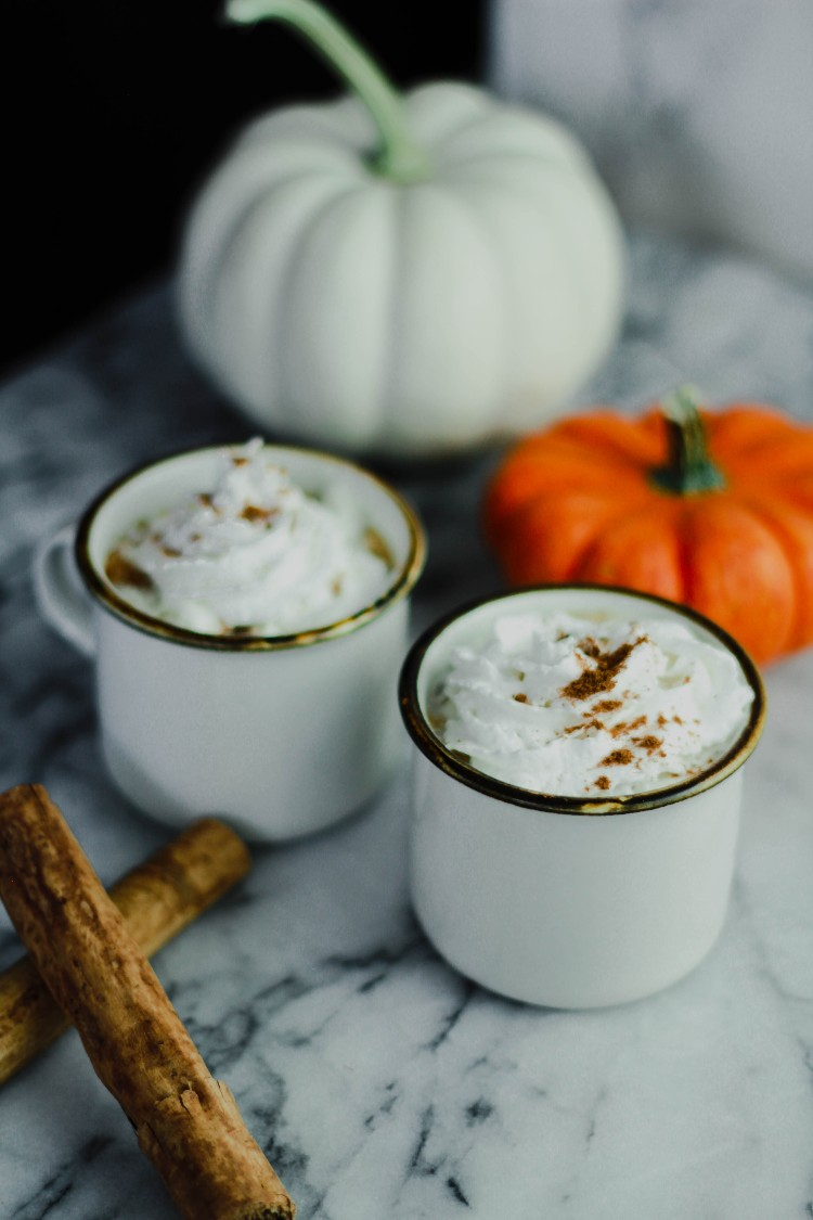 image of pumpkin spice latte in mugs