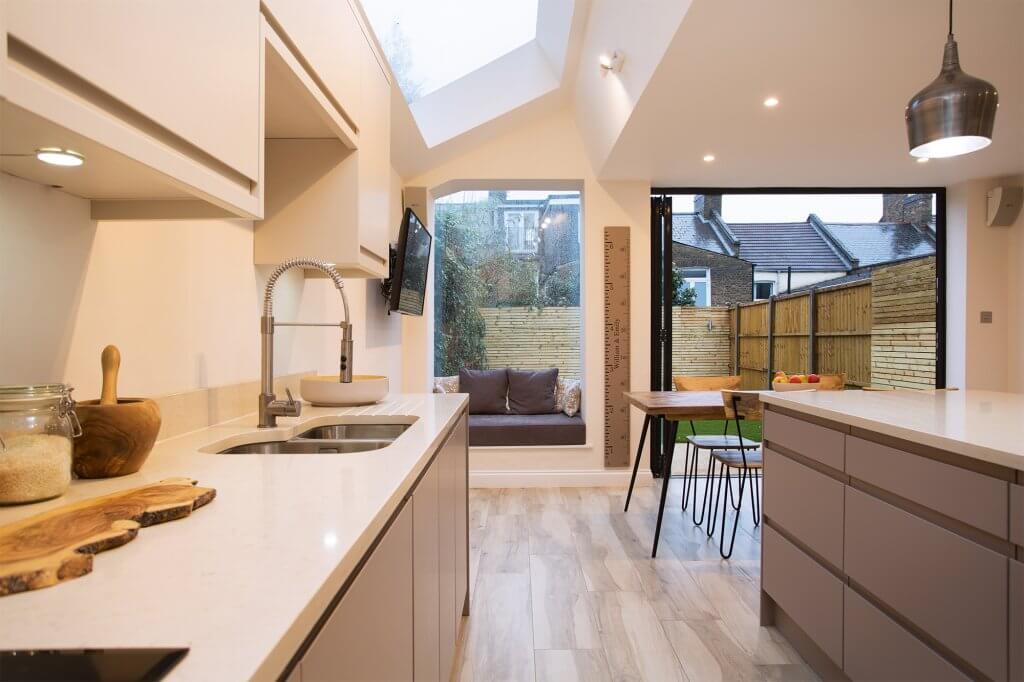 Small Kitchen Design Layout Uk