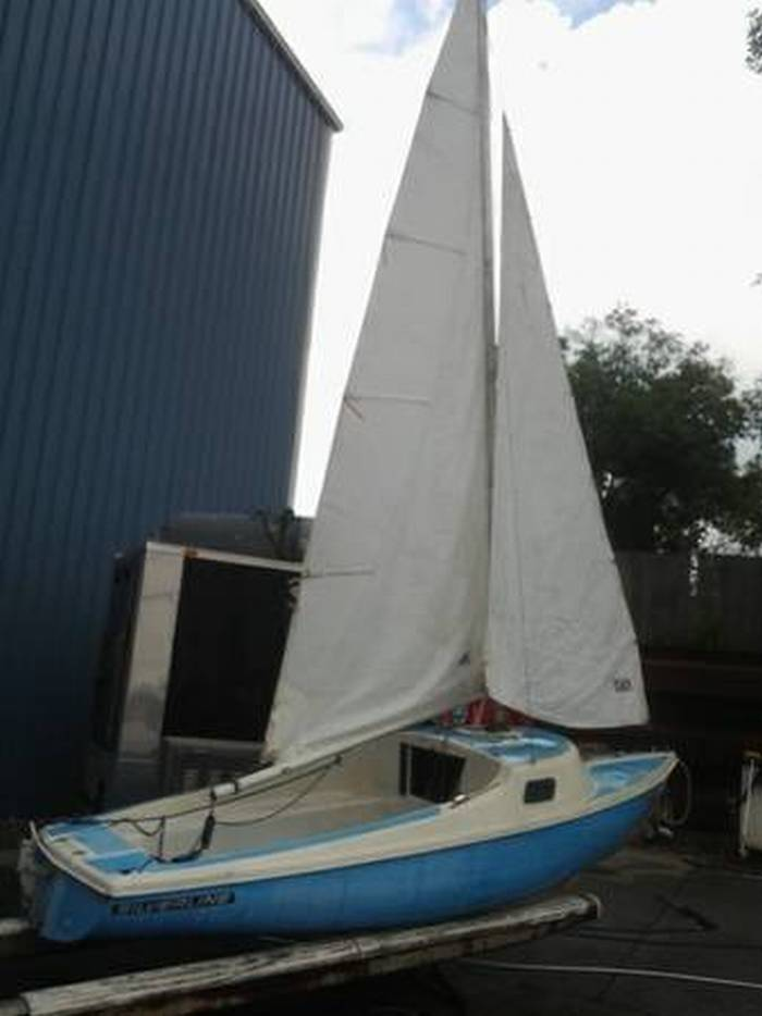 Silverline Dolphin 17 Sailboat