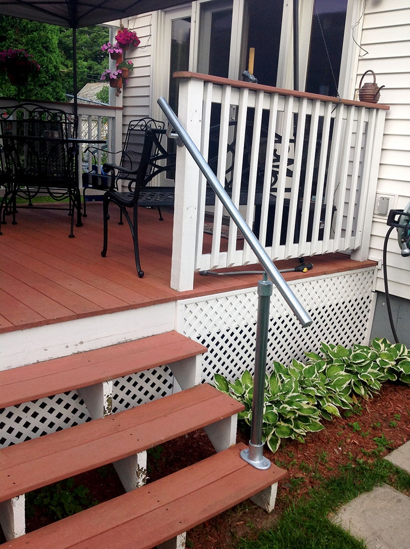 13 Outdoor Stair Railing Ideas That You Can Build Yourself | Industrial Stair Railing Design | Industrial Style | All Metal Interior | Contemporary Metal | Small Stair | Detail Industrial