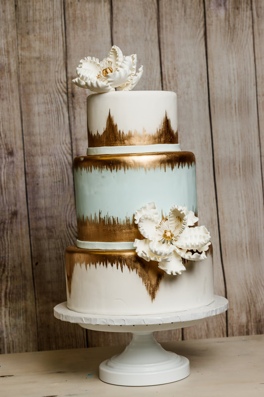 Wedding Cakes   Simply Delicious Bakery Call today and schedule a wedding consultation  and we will assist you in  designing the wedding cake of your dreams