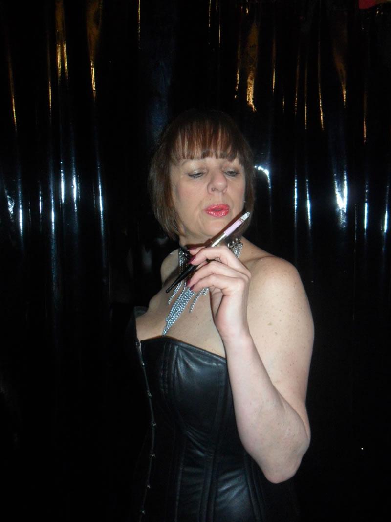 Smoking Fetish Mistress North West Uk