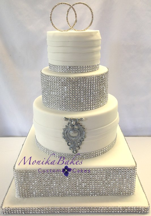 Best Black And White Wedding Cakes With Bling Ideas   Styles   Ideas     White And Silver Wedding Cake   Wedding Cake Flavors