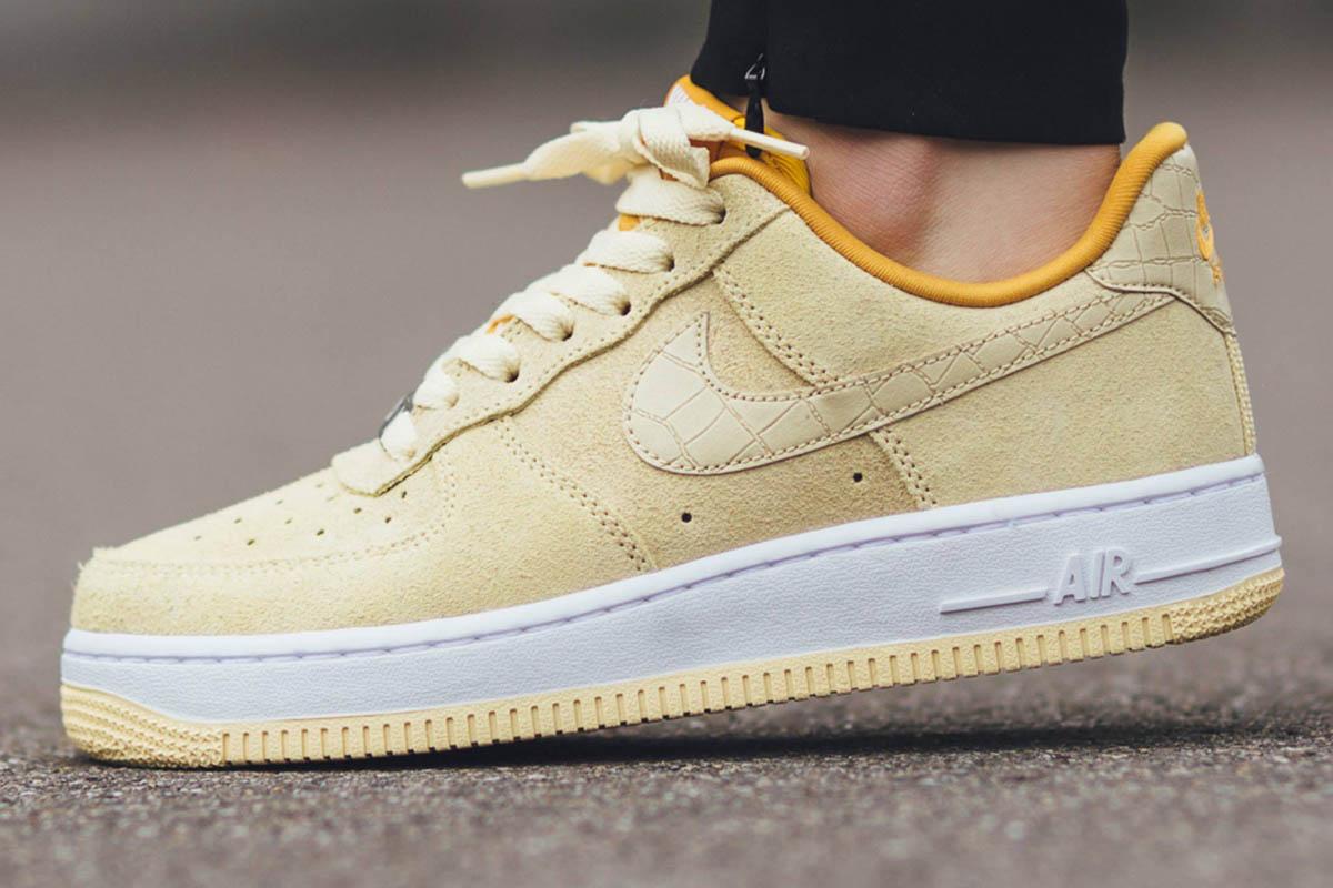 Khaki Nike Shoes
