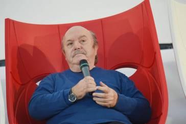 """Lino Banfi, il ricordo che tocca il cuore: """"Mi ha sfamato e dato dei soldi"""", episodio da brividi"""