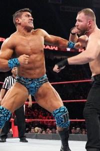 EC3 vs Dean Ambrose – RAW, Feb. 4 2019