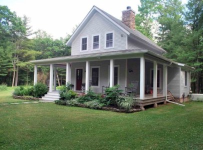 Small Cottage House Plans   Farm Style Features