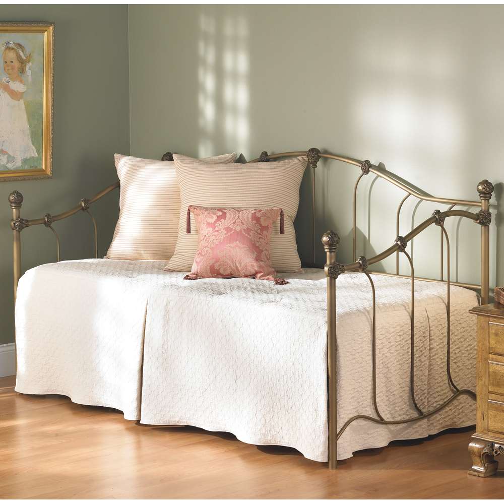 Furniture Fill Your Home With Cheap Daybeds For Charming
